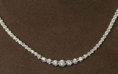 18 kt. White gold, 10.88g - Necklace with pendant - 5.00 ct Diamond - No Reserve Price
