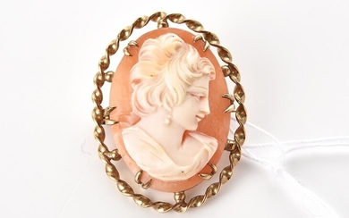 A CAMEO PENDANT IN 9CT GOLD, TOTAL LENGTH 30MM, 5.7GMS
