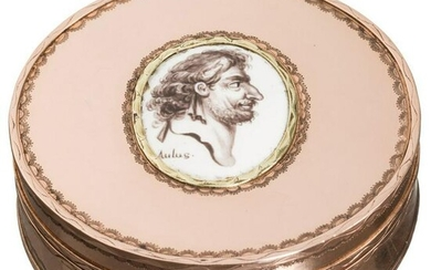 A French courtly pillbox with a portrait of the