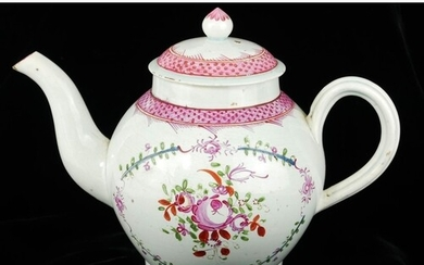 A LATE 18TH/EARLY 19TH CENTURY ENGLISH PORCELAIN TEAPOT AND ...