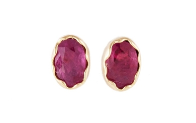 A PAIR OF RUBY STUD EARRINGS, mounted in yellow gold