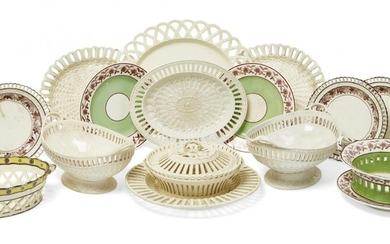 AMENDMENT: Please note chestnut basket and cover is creamware not...