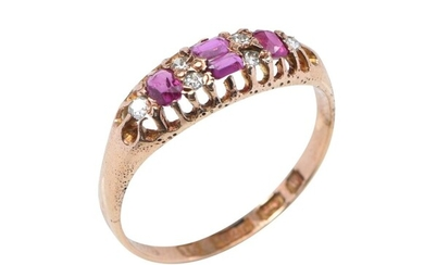AN ANTIQUE DIAMOND AND RUBY DRESS RING