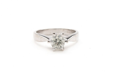 Diamond ring set with a brilliant-cut diamond weighing app. 0.85 ct., mounted in 18k white gold. Size 54.5. Weight app. 5 g.