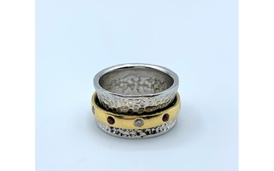 Hand made 18ct white gold ring with 18ct yellow gold rotati...