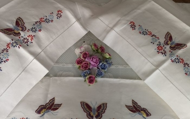 Linen sheet with Farfalle embroidery in full stitch - Linen - After 2000