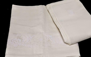 Linen tablecloth with geometric motifs