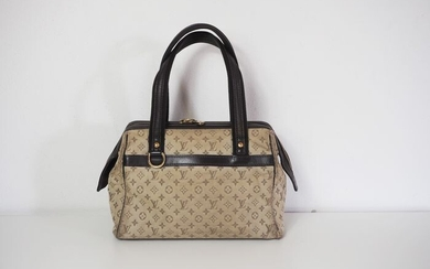 Louis Vuitton - Josephine Pm Handbag