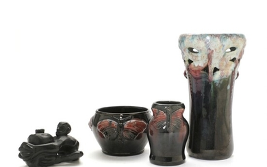 Michael Andersen, a.o.: Three earthenware vases and a terracotta ink stand. (4) – Bruun Rasmussen...