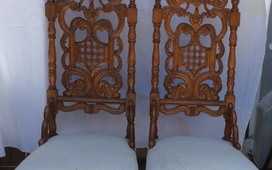 Pair of antique Religious chairs - Renaissance Style - Walnut - 18th century