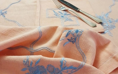 Pink hand-embroidered tablecloth + 8 napkins - Linen - Second half 20th century