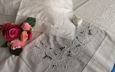 Rich sheet in pure cotton percale with embroidery, intaglio and full stitch embroidery - Cotton - AFTER 2000