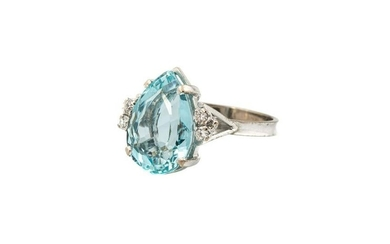 Ring with aquamarine and diamonds, 2nd half of the 20th