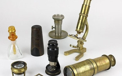 Set of optical instruments and microscopes and accessories, 19th - 1st half of the 20th century, mostly brass and metal, consisting of: small microscope, Crihidn and Brass London, h: 19 cm; small pocket microscope model TAMI, marked Hensoldt Wetzlar...