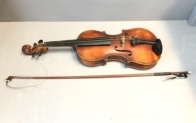 Violin VC20th Czech, 1 piece back, good condition with black...