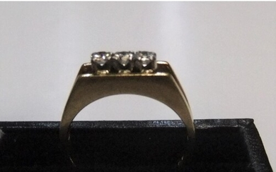 18ct yellow gold 3 stone diamond ring (approx 0.15ct) Appro...