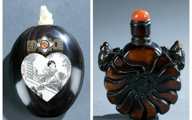 2 Wooden snuff bottles, 19th/ 20th c.