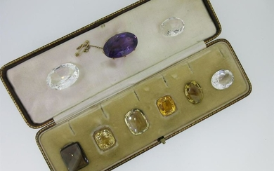 An amethyst brooch and a quantity of loose large