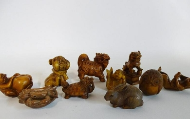 GROUP 10 CARVED NETSUKES (JAPANESE & CHINESE)