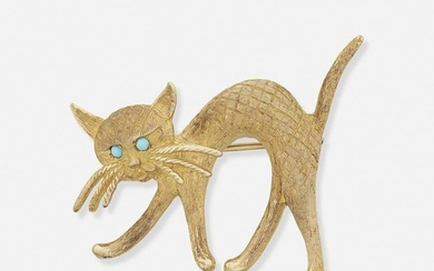Gold cat brooch