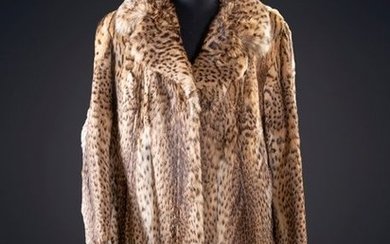 LONG COAT IN LEATHER. Weight: Departure: 600,00 Euros....