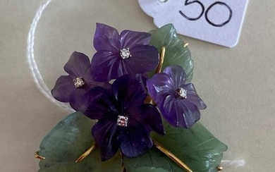 Pretty yellow gold brooch - bouquet of violets...