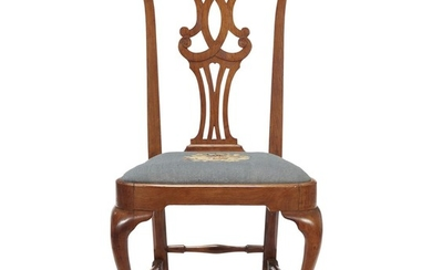 Queen Anne walnut compass-seat side chair New England, mid-18th...