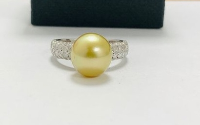 14ct white gold pearl & diamond ring. featuring...