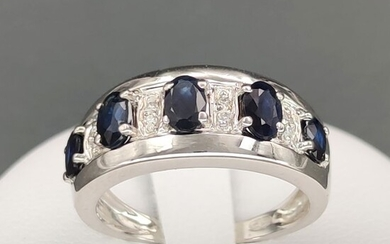 18 kt. White gold - Ring - 1.10 ct Sapphires - Diamonds 0.08
