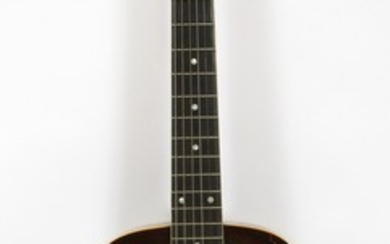 THE GIBSON ACOUSTIC GUITAR CA. 1920 13.5 38