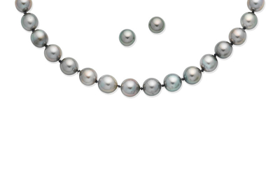 A cultured pearl necklace and earstud suite