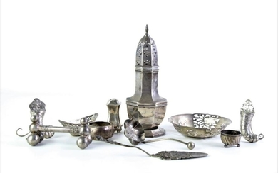 A melange of small silver wares incl. little cornucopia stands, a napkin ring and a small pierced dish, 1927 Charlse Wicke Shaker