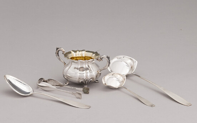 A silver sugar bowl and four pieces of serving cutlery, Wyborg 1885, Turku 1937 and Hämeenlinna 1963.