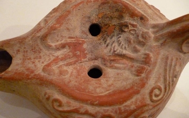 Ancient Roman Earthenware (a119) oil lamp with leaping lion - 0×8×12 cm - (1)