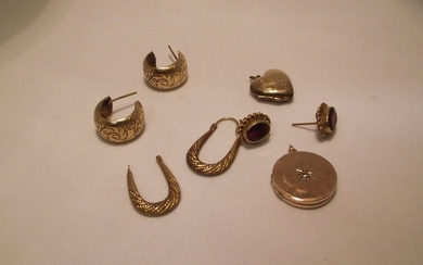 Bag of gold and yellow metal items to include diamond set go...