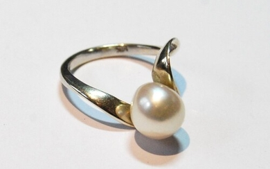 Cultured pearl ring, approximately 10mm, in white gold, '14k...