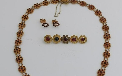 Gold boat necklace, earrings and brooch, 585/000, with