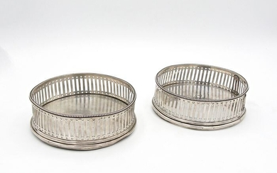 Pair of coasters branded Venezia - Silver - Italy - Mid 19th century