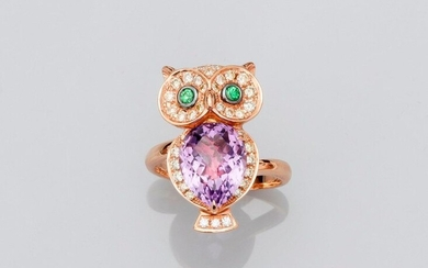 Ring drawing an owl in pink gold, 750 MM, covered with an amethyst, tsavorite eyes surrounded by diamonds, total diamonds 0.70 carat, dimensions 24 x 14 mm, size: 53, weight: 8.5gr. rough.