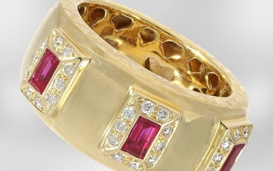 Ring: unique yellow gold ring with rubies and...