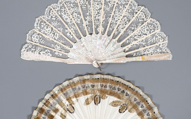 Two fans with sticks in mother of pearl and engraved bone, first third of the 20th Century.