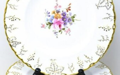 18 Royal Crown Derby Gold Vine Dinner Plates