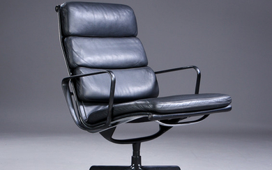 Charles Eames. Soft Pad Loungestol, Model EA-216