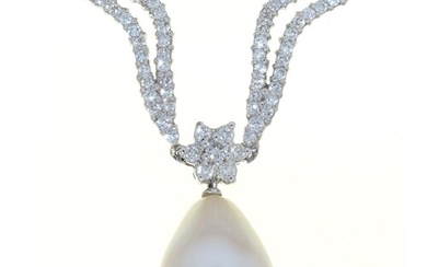 A DIAMOND NECKLET OF 'LIPS' LINKS, WITH CENTRAL ROSETTE AND ...