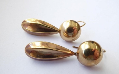 A Pair of Victorian Drop Earrings, unmarked, drop length 4.6cm...