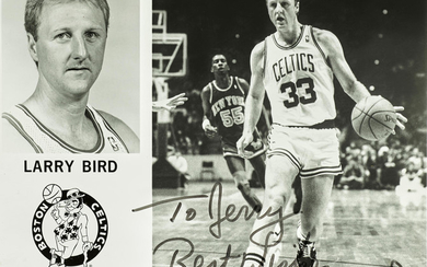 A SIGNED PHOTOGRAPH OF LARRY BIRD