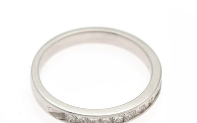 A diamond ring set with numerous princess-cut diamonds weighing a total of app. 0.50 ct., mounted in 8k white gold. Size 55.