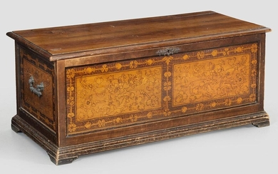 Small chest in Renaissance style