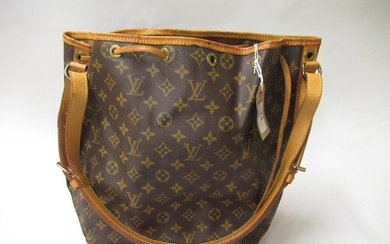Louis Vuitton, ladies bucket bag with leather strap and leat...