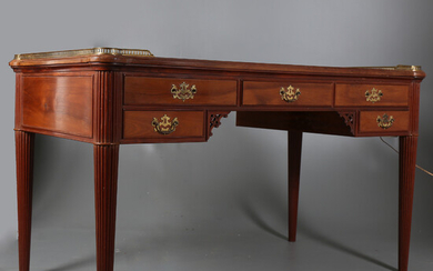 """Louis XVI style """"bureau plat"""" table in mahogany, early decades of the 20th Century."""